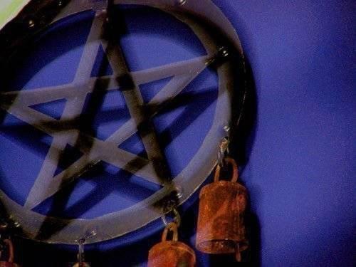 Что означает пятиконечная звезда в круге