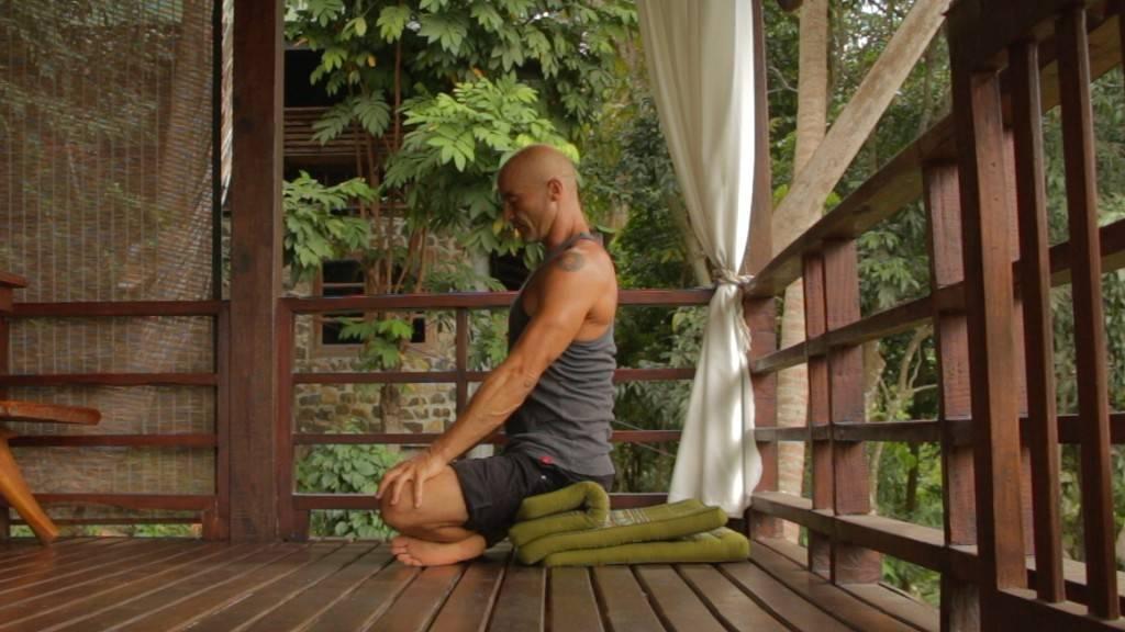 Как научиться сидеть в позе лотоса