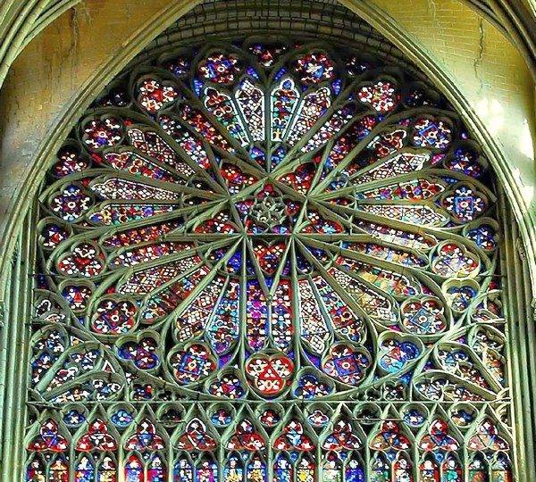 amiens_cathedral_window