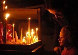 Как почистить дом свечой